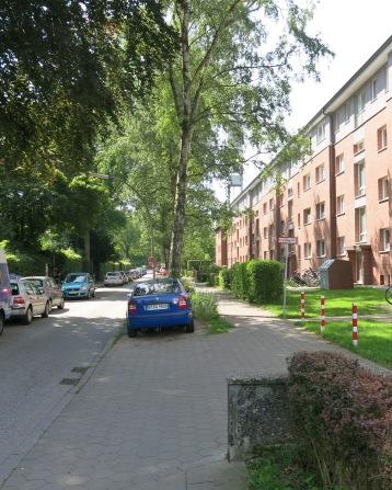Walking down an ordinary street in Ottensen